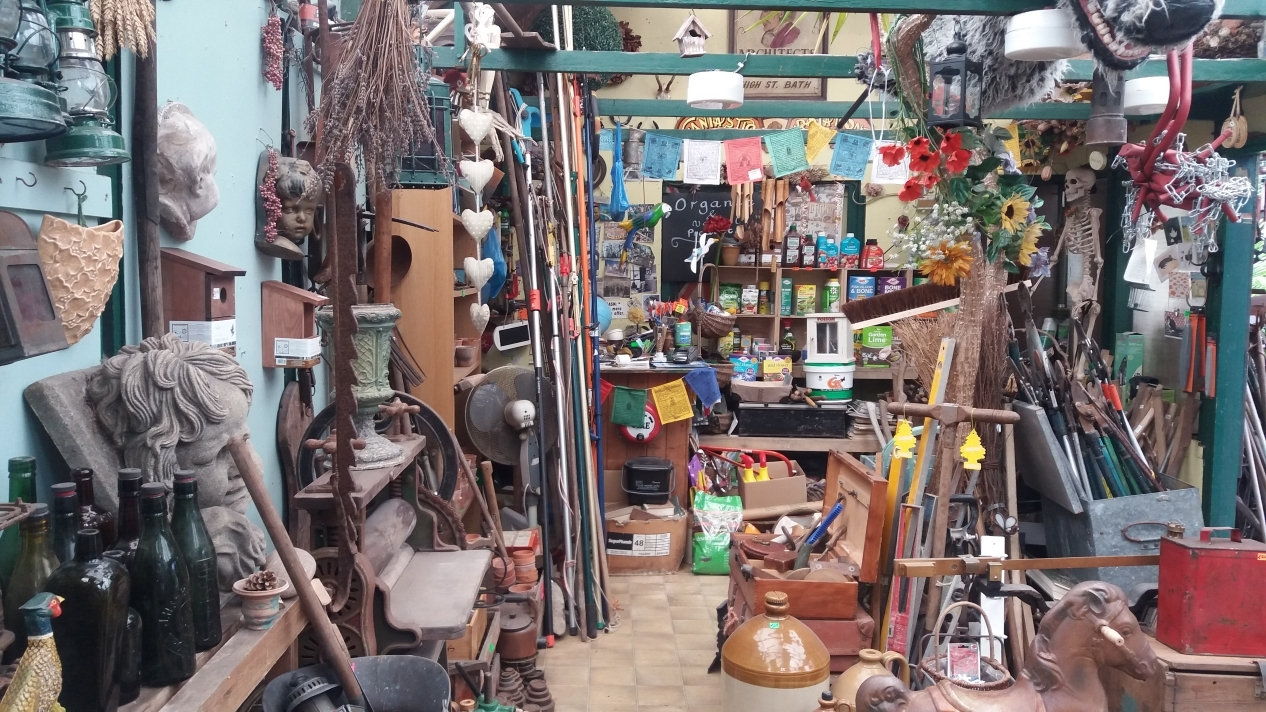 Gardenalia - Garden ornaments, tools, antiques, reclaimed